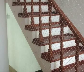 redes-para-escada-lateral
